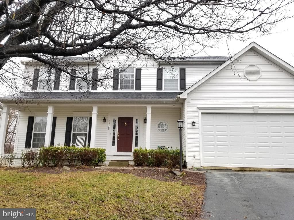 Welcome Home - 43127 LLEWELLYN CT, LEESBURG