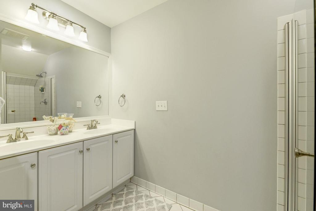 Main level full bathroom - 5913 WELBORN DR, BETHESDA