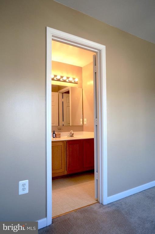 Entrance to Bathroom #2 - 22 LAKESIDE DR, STAFFORD