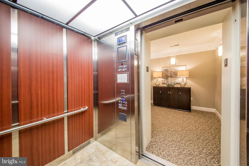 Elevator For Easy Access To The Condo - 43145 SUNDERLAND TER #306, BROADLANDS