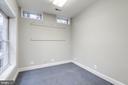 Lower level hobby room - 18403 KINGSMILL ST, LEESBURG