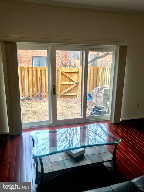 LR with rear patio view - 515 BRUMMEL CT NW #515, WASHINGTON