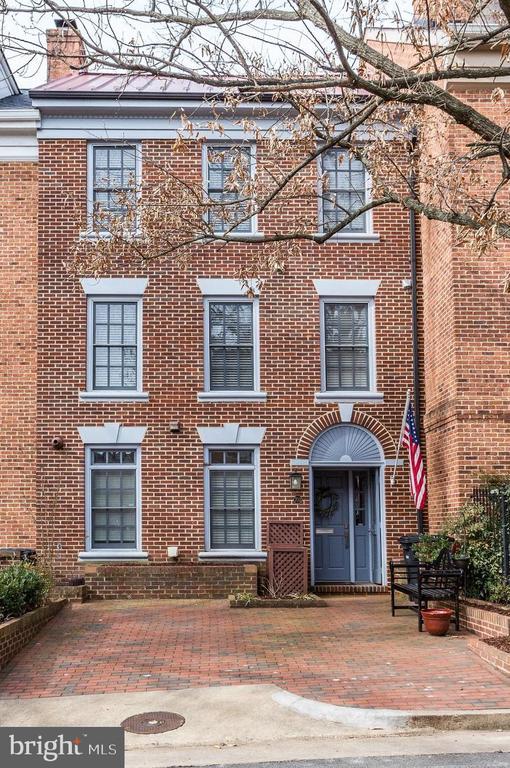 Welcome Home to 703 Potomac Street - 703 POTOMAC ST, ALEXANDRIA