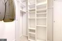 Walking Closet. - 2111 WISCONSIN AVE NW #205, WASHINGTON