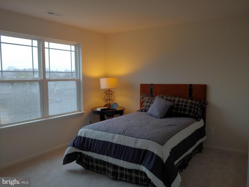 bedroom - 9848 MAGLEDT, PARKVILLE