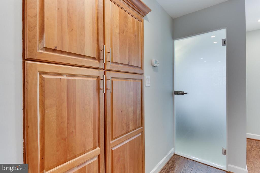 Spacious pantry - 703 POTOMAC ST, ALEXANDRIA