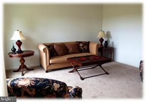Living Room - 9836H MAGLEDT RD, PARKVILLE
