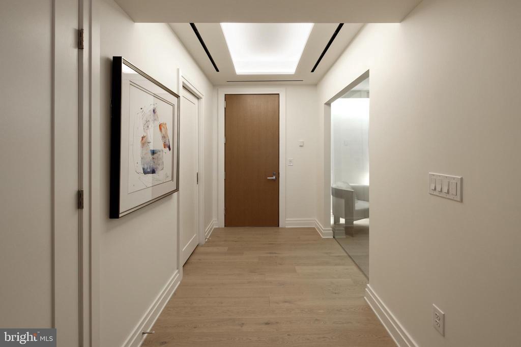 Hallway - 2501 M ST NW #411, WASHINGTON