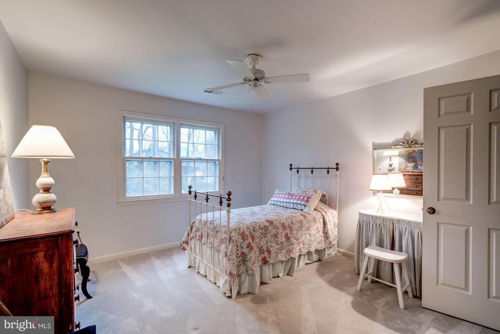 and spacious secondary bedrooms - 9097 WEXFORD DR, VIENNA