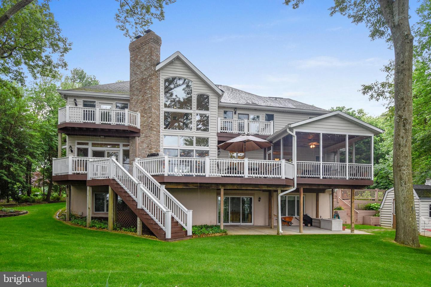 Single Family Home for Sale at 1200 Winsail Court 1200 Winsail Court Pasadena, Maryland 21122 United States