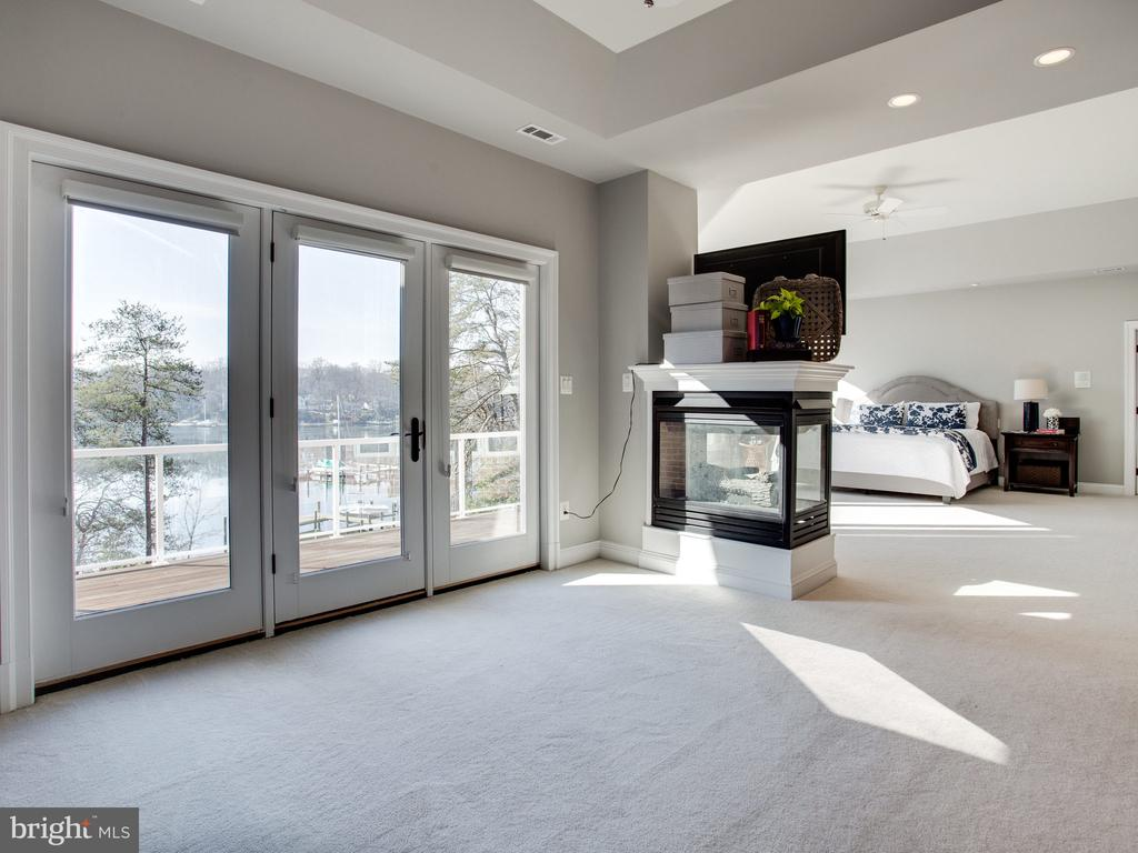 Private Deck off of Master Suite - 658 ROCK COVE LN, SEVERNA PARK