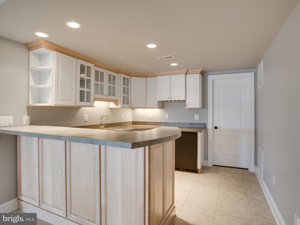 Bar and Kitchen Area in Lower Level - 658 ROCK COVE LN, SEVERNA PARK