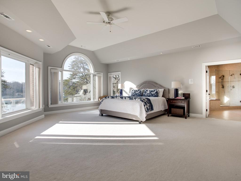 Owner's Suite with Views of the Severn River - 658 ROCK COVE LN, SEVERNA PARK