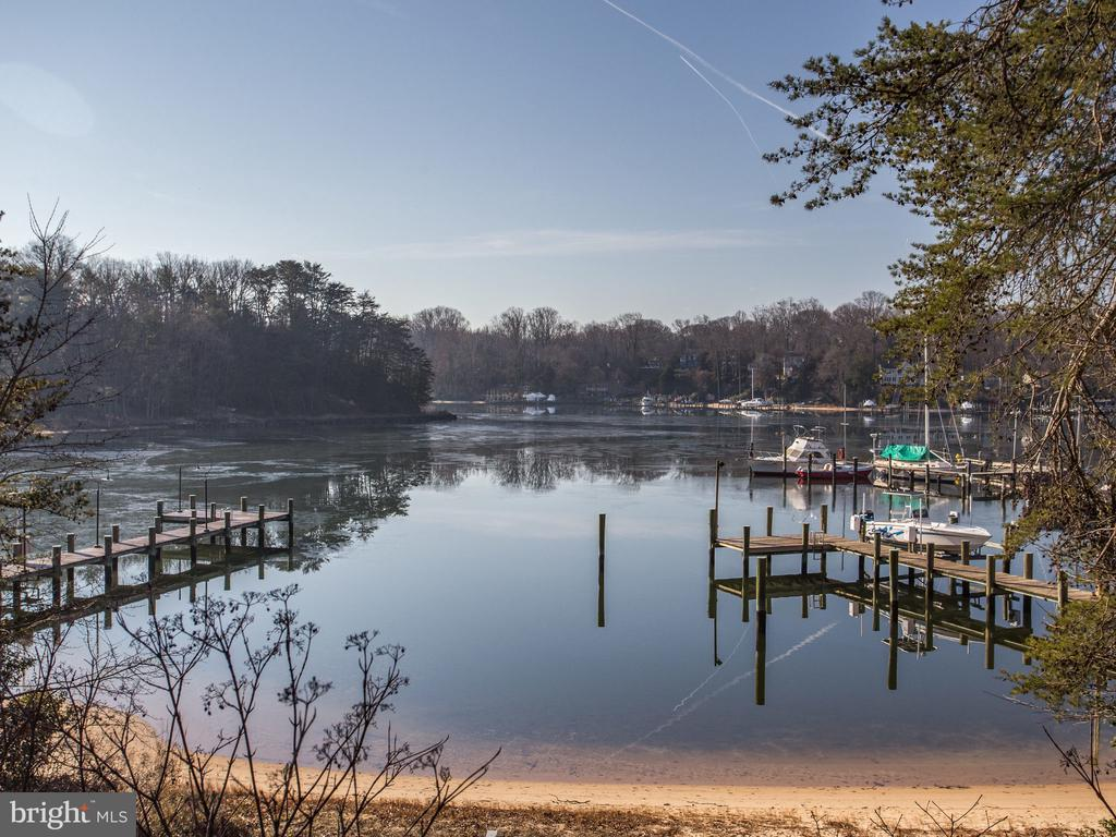 Private, Protected Cove - 658 ROCK COVE LN, SEVERNA PARK