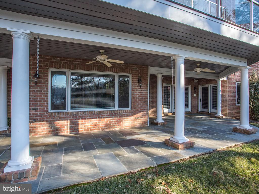 Covered Patio off of Lower Level - 658 ROCK COVE LN, SEVERNA PARK