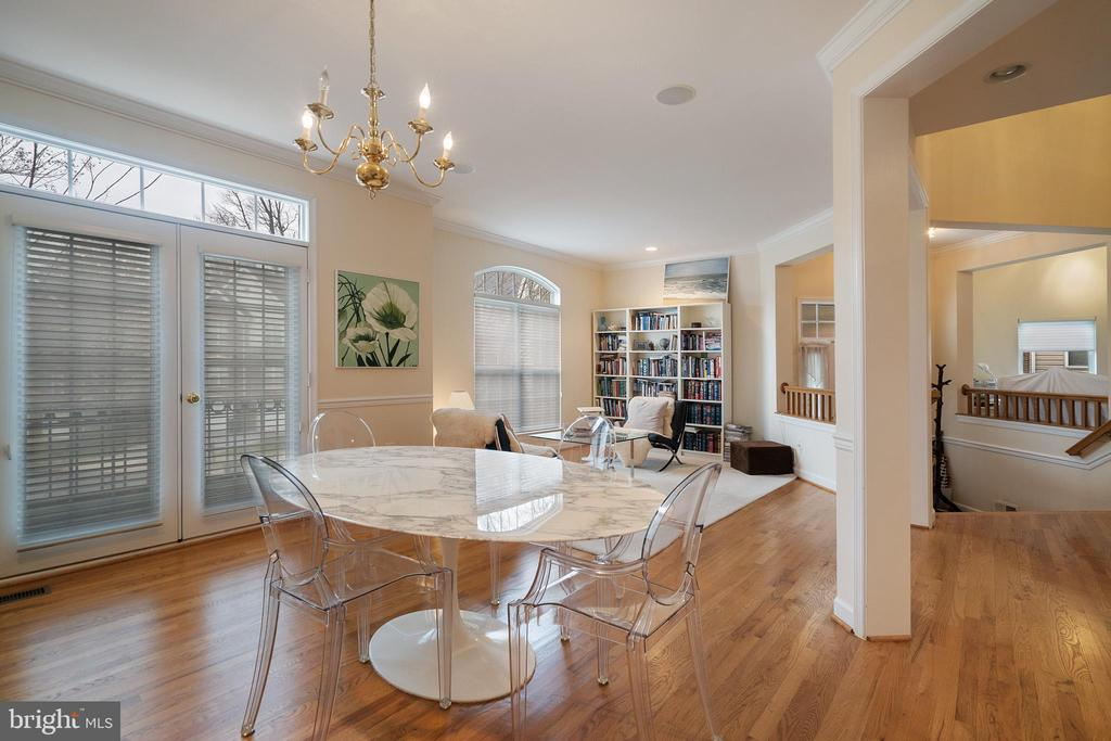 Separate dining room with Juliette Balcany - 9100 BRIARWOOD FARMS CT, FAIRFAX