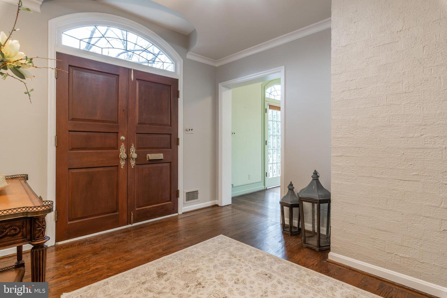 Additional photo for property listing at 1925 Summit Ter 1925 Summit Ter Alexandria, Virginia 22307 United States