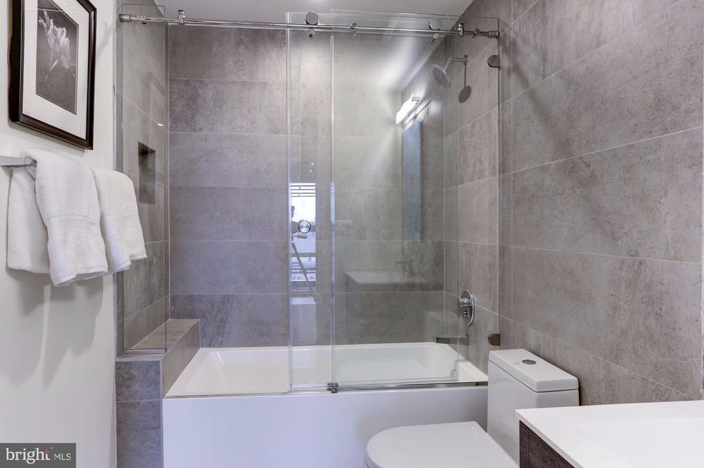 Bathroom #1 - 1468 BELMONT ST NW #3 WEST, WASHINGTON