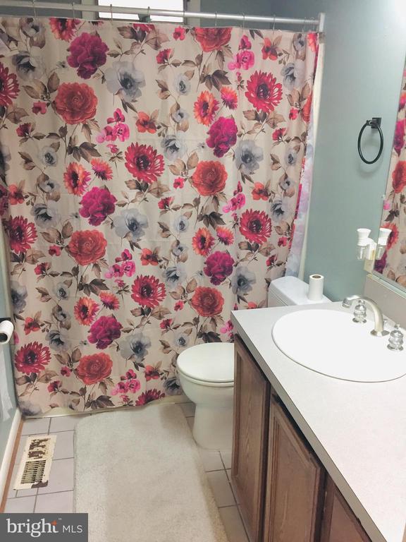 2nd Bath - 501 BOWERS LN, HERNDON