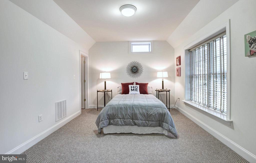 Lower Level Bedroom - 9321 WEIRICH RD, FAIRFAX