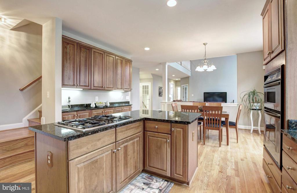 Kitchen - 9321 WEIRICH RD, FAIRFAX