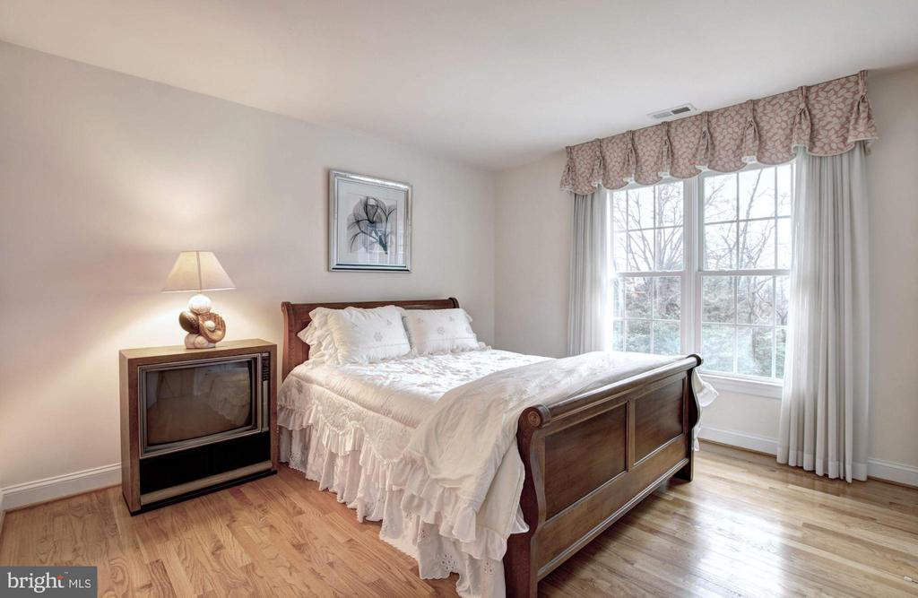 Bedroom - 9321 WEIRICH RD, FAIRFAX