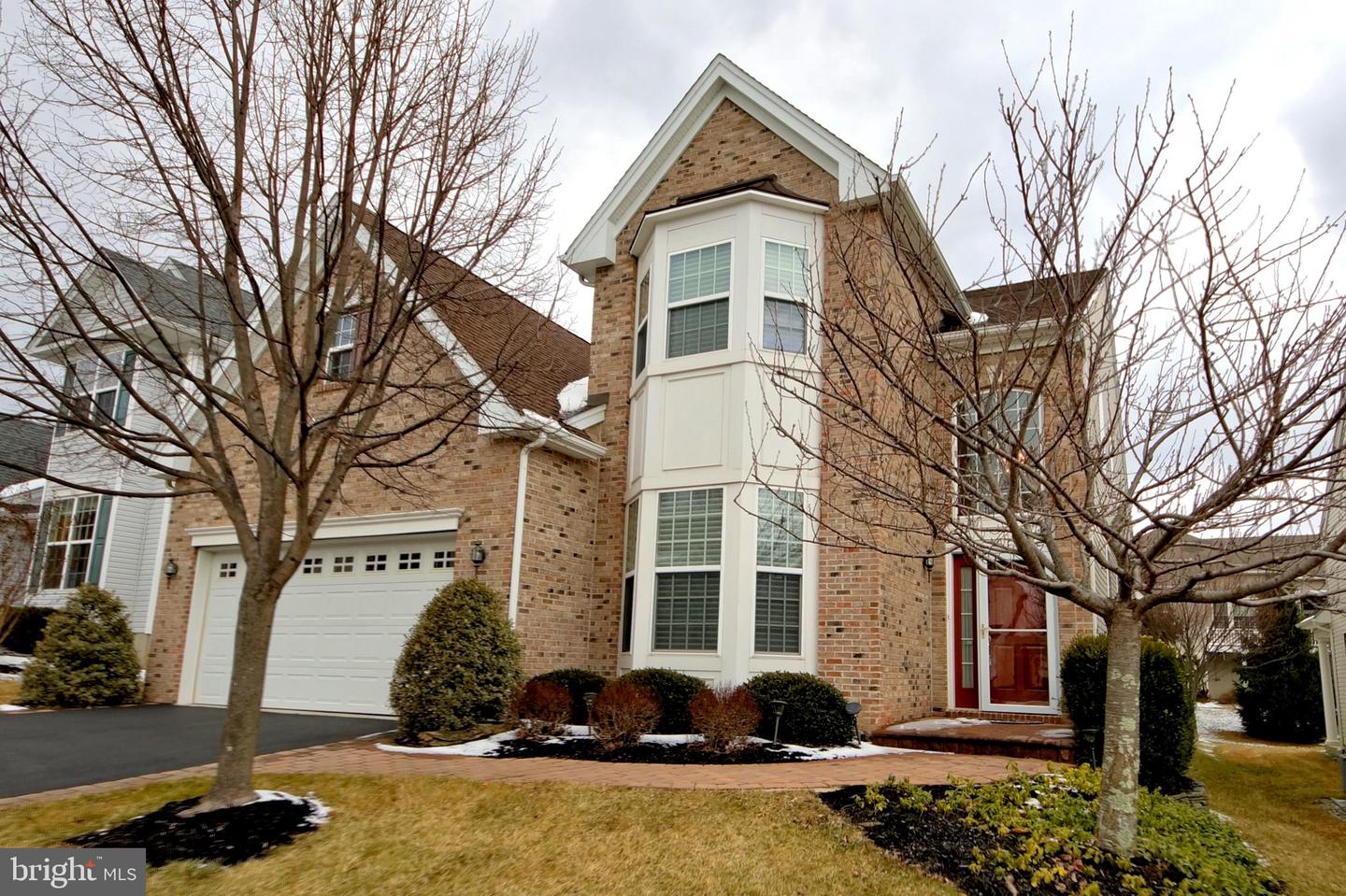 Single Family Home for Sale at Kendall Park, New Jersey 08824 United States