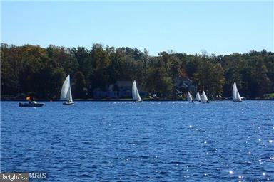 WONDERFUL DAY SAILING ON THE LAKE - 102 HARRISON CIR, LOCUST GROVE