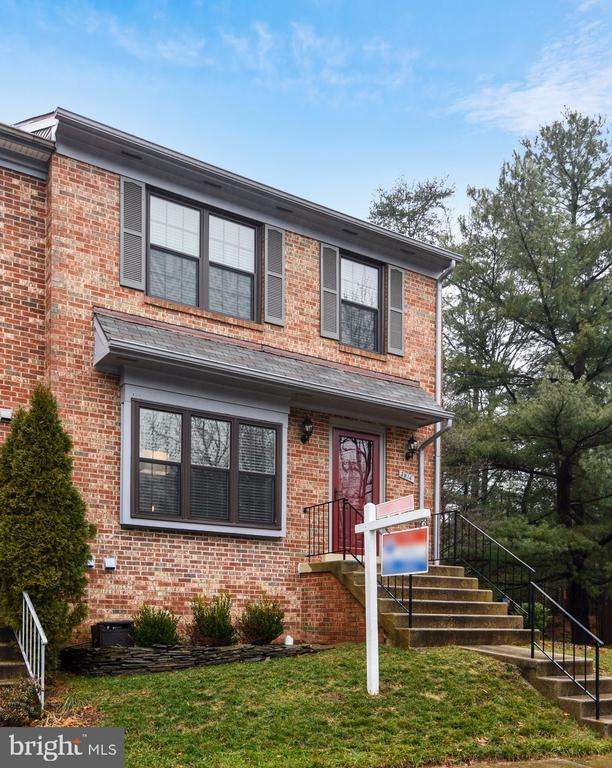 3914  TALLOW TREE COURT 22033 - One of Fairfax Homes for Sale