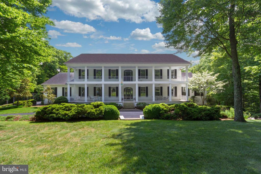 Stunning Antebellum Estate - 12970 WYCKLAND DR, CLIFTON