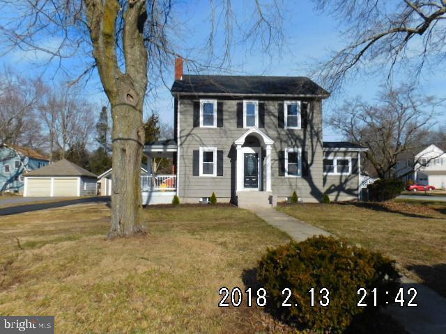 Enfamiljshus för Försäljning vid 594 ORCHARD Drive Penns Grove, New Jersey 08069 Förenta staterna