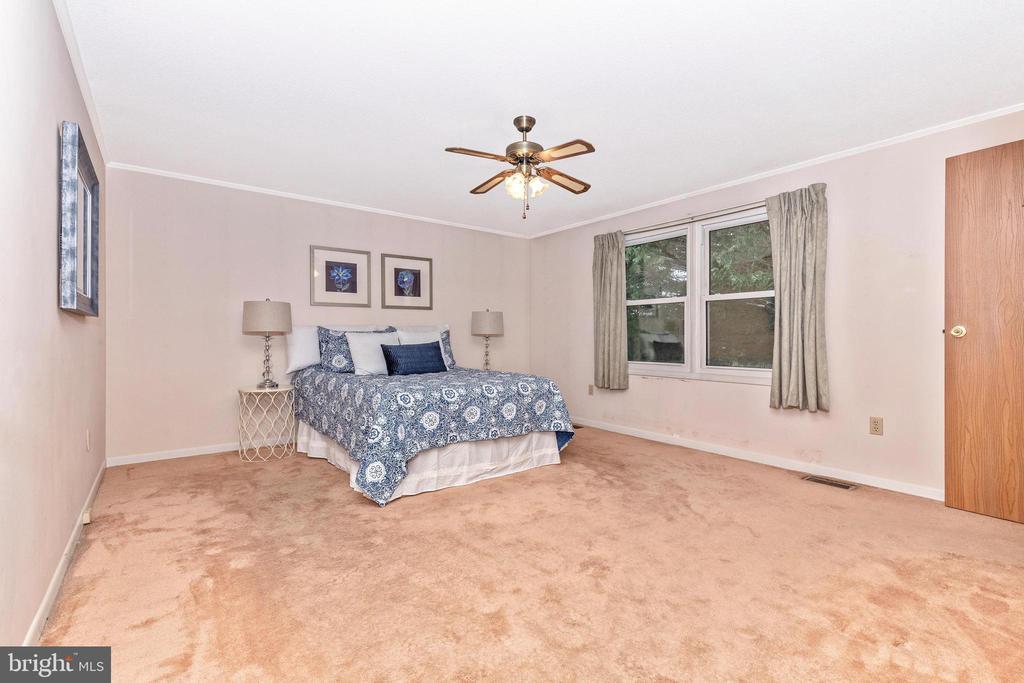 Huge master bedroom - 110 ELK DR, HANOVER