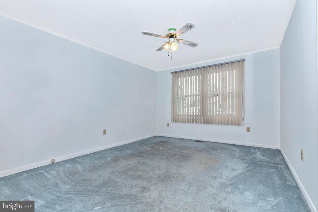 Huge third main floor bedroom - 110 ELK DR, HANOVER