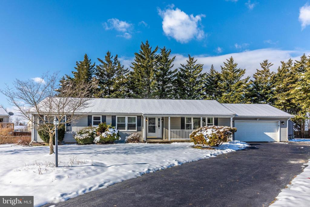 Driveway with plenty of parking space - 110 ELK DR, HANOVER