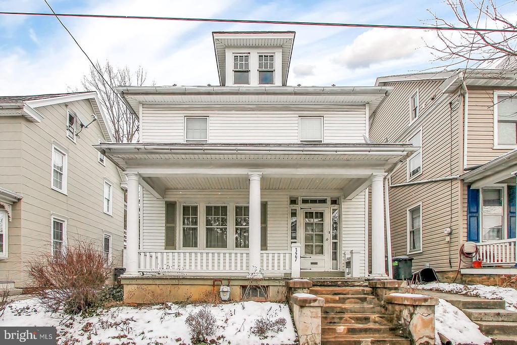 327 S BROAD STREET, Manheim Township in LANCASTER County, PA 17543 Home for Sale