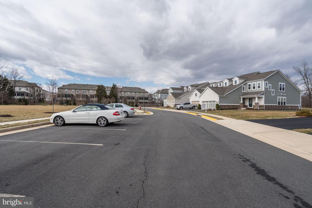 Additional parking across street from home - 42316 GRAHAMS STABLE SQ, ASHBURN