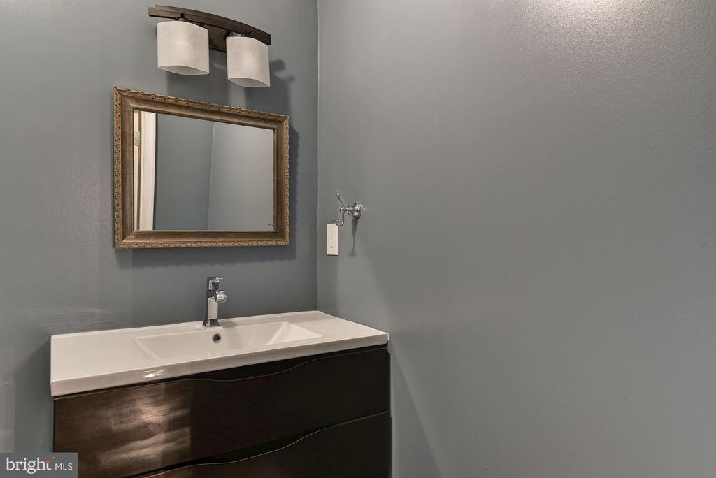 Lower Level Full Bath 1 - 2301 TWIN VALLEY LN, SILVER SPRING
