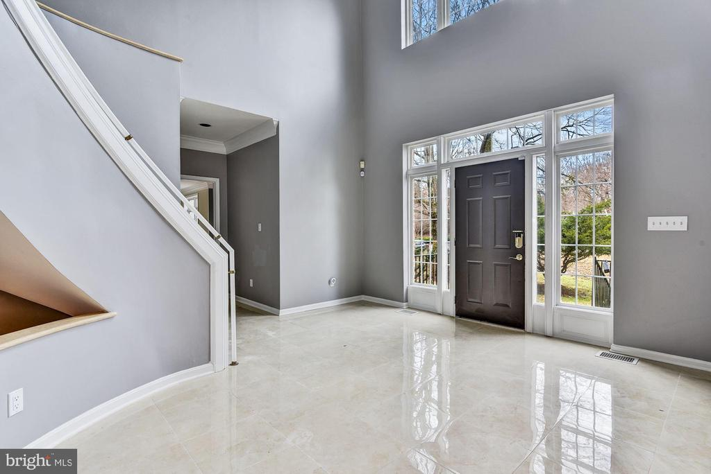 Grand Entry & Two Story Foyer - 2301 TWIN VALLEY LN, SILVER SPRING