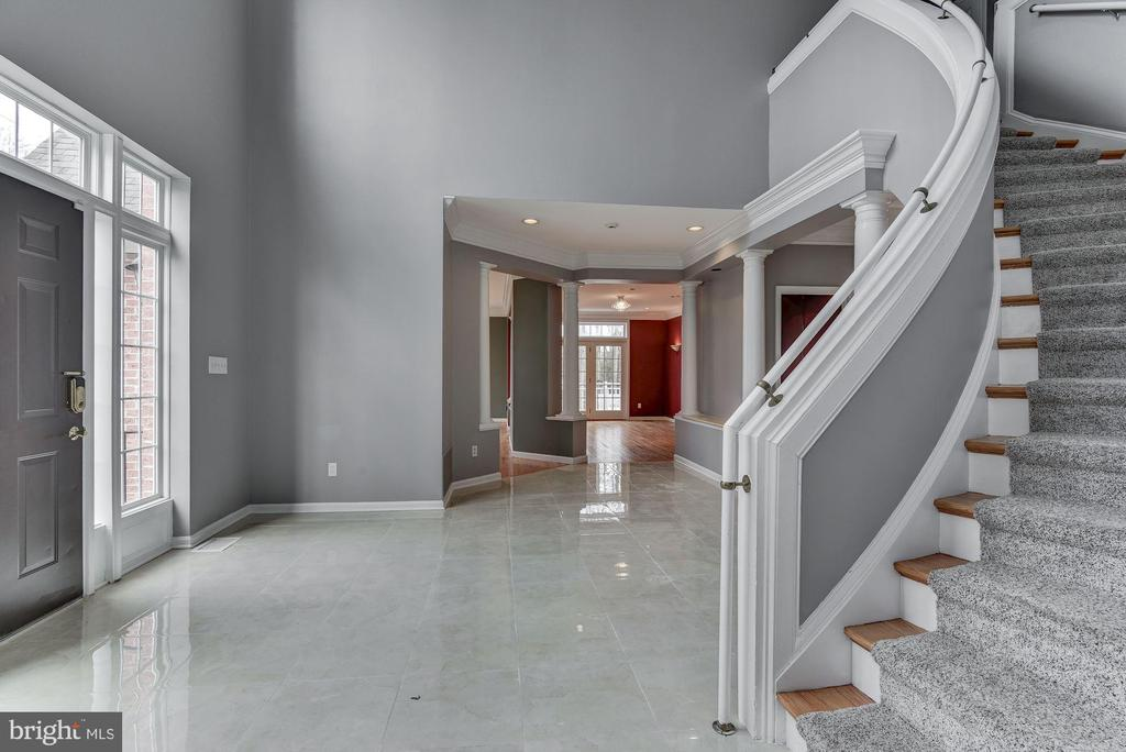 Open Plan & Curved Staircase - 2301 TWIN VALLEY LN, SILVER SPRING