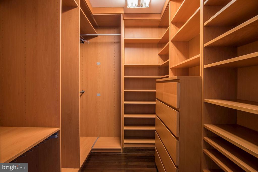 Walk-in Closet Organizer - 2301 TWIN VALLEY LN, SILVER SPRING