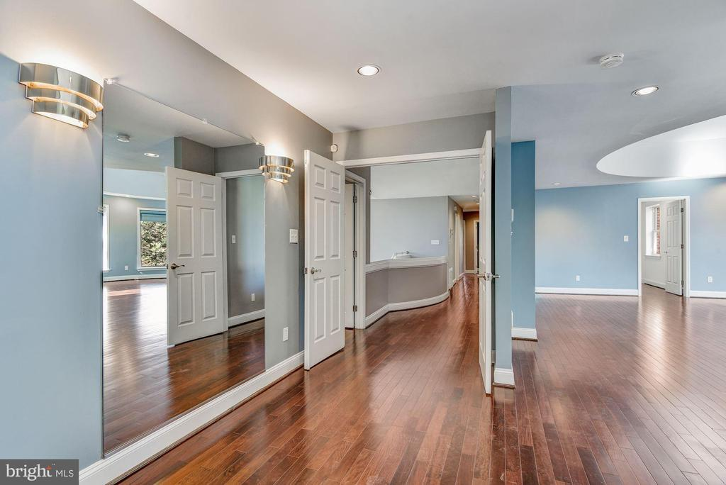Master Suite Entry - 2301 TWIN VALLEY LN, SILVER SPRING