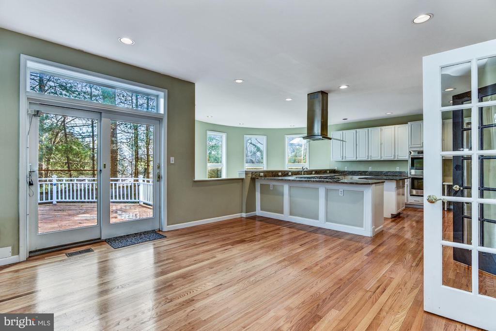 Breakfast Table Area & Atrium Access to Rear Deck - 2301 TWIN VALLEY LN, SILVER SPRING