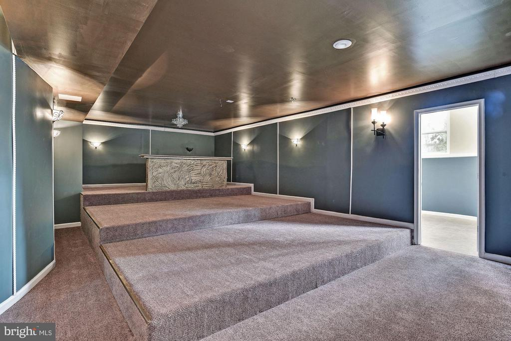 Lower Level Theater Rm w/ Risers & Sconces - 2301 TWIN VALLEY LN, SILVER SPRING