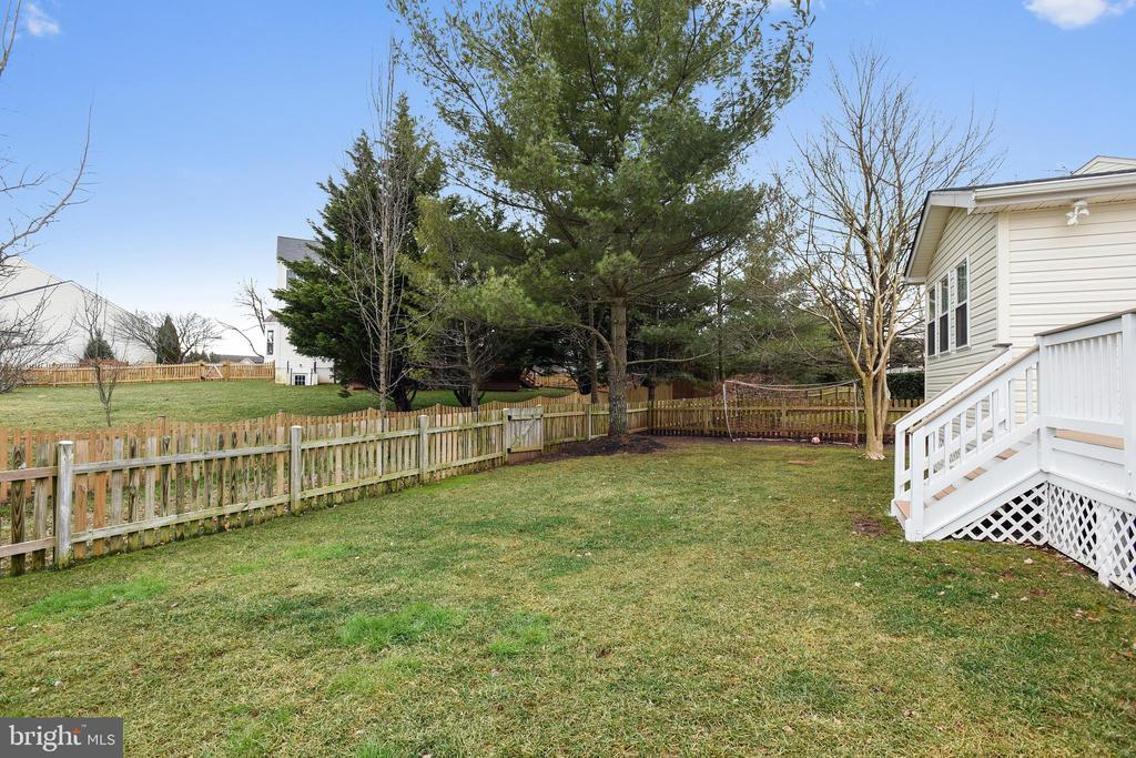 Cul de sac lot & fenced backyard! - 20702 MANDALAY CT, ASHBURN