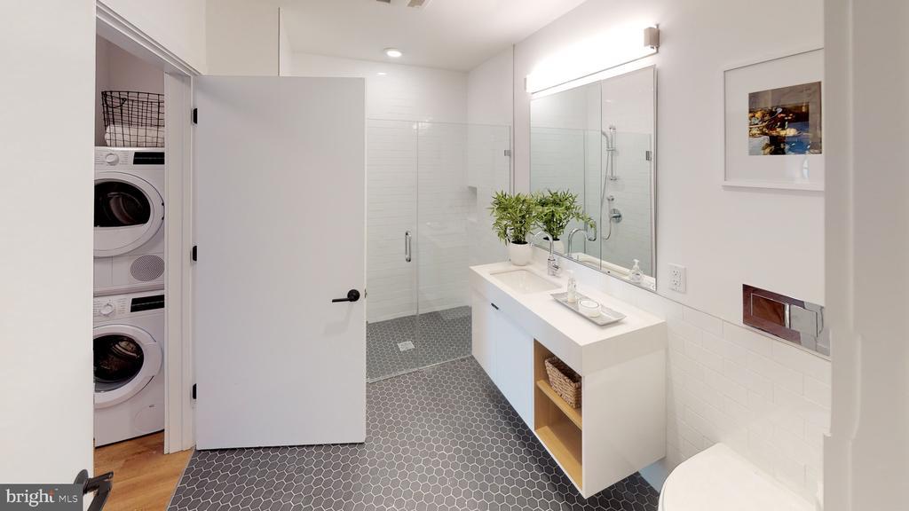 Sleek high-end bathroom - 57 N ST NW #UNIT 308, WASHINGTON