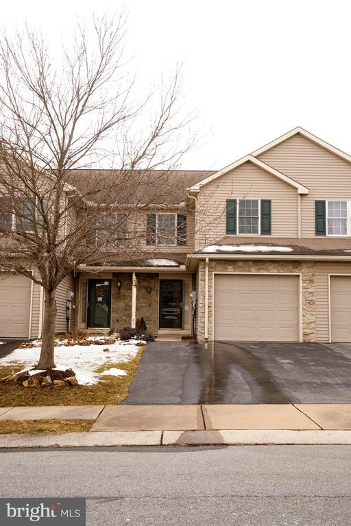83  PEBBLE CREEK DRIVE, Manheim Township in LANCASTER County, PA 17543 Home for Sale