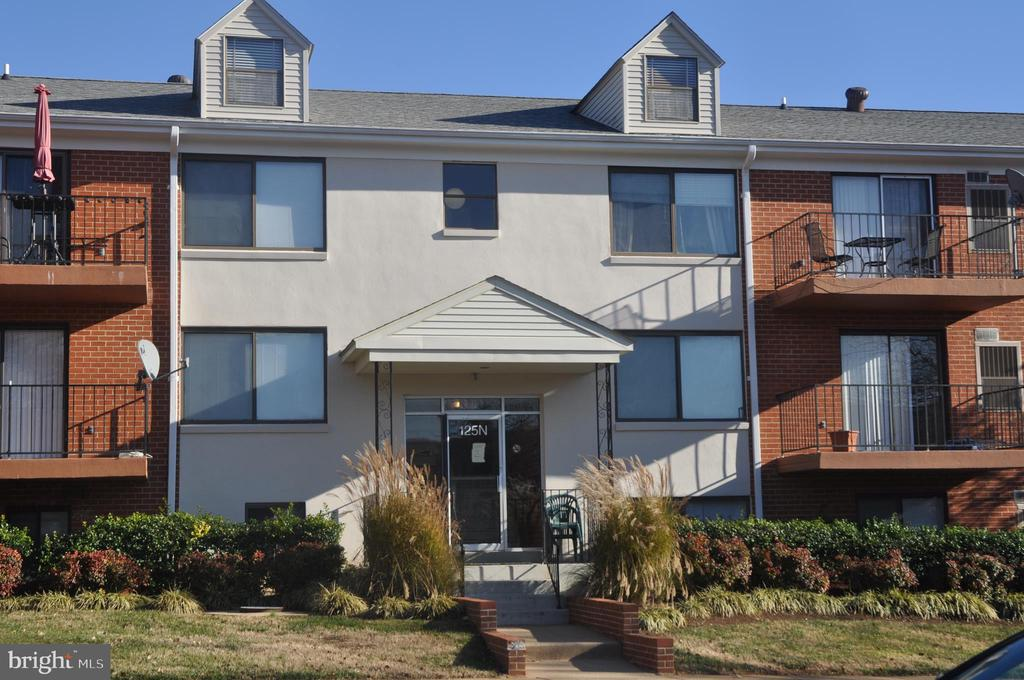 Welcome to 125 N, Unit 2 - 125 N-N CLUBHOUSE DR SW #2, LEESBURG