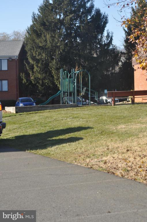 Playground - 125 N CLUBHOUSE DR SW #2, LEESBURG
