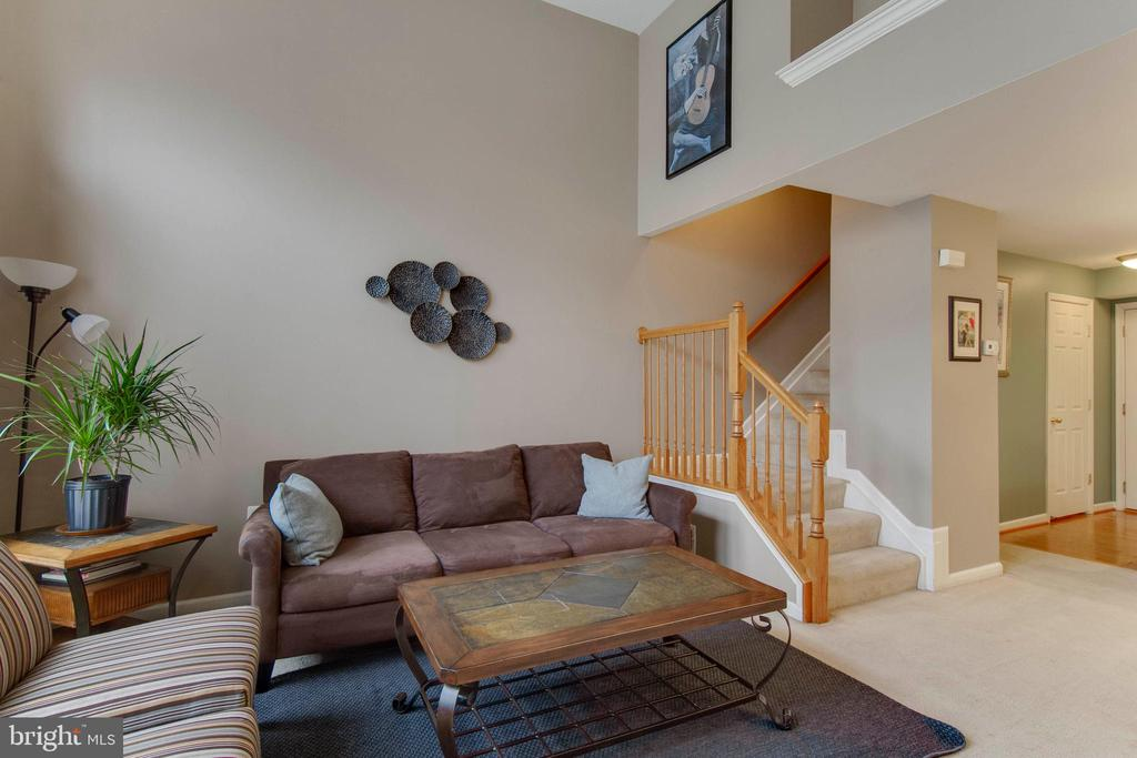 Bright, open floor plan - 6260 WOODRUFF SPRINGS WAY #23, HAYMARKET