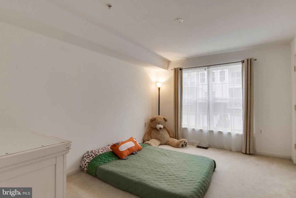 Spacious second bedroom - 6260 WOODRUFF SPRINGS WAY #23, HAYMARKET